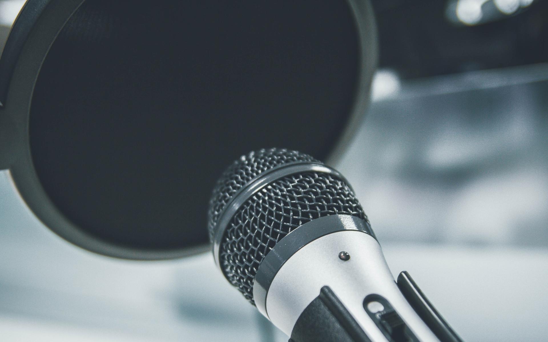 Pop Filter vs Foam For Recording Vocals