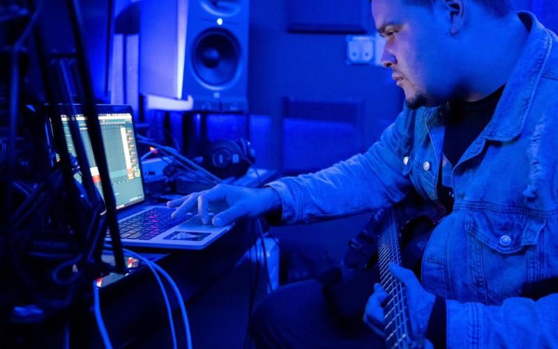 recording guitar through computer