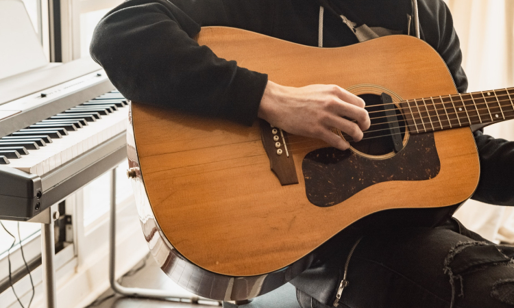 dreadnought-guitar