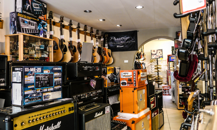 why-cant-you-play-stairway-to-heaven-in-guitar-stores-image-1