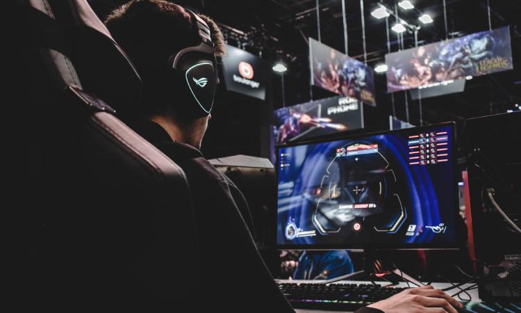 mic monitoring gaming