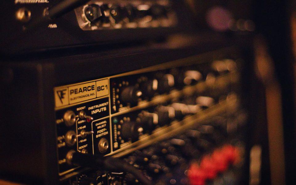 Preamplifier vs amplifier